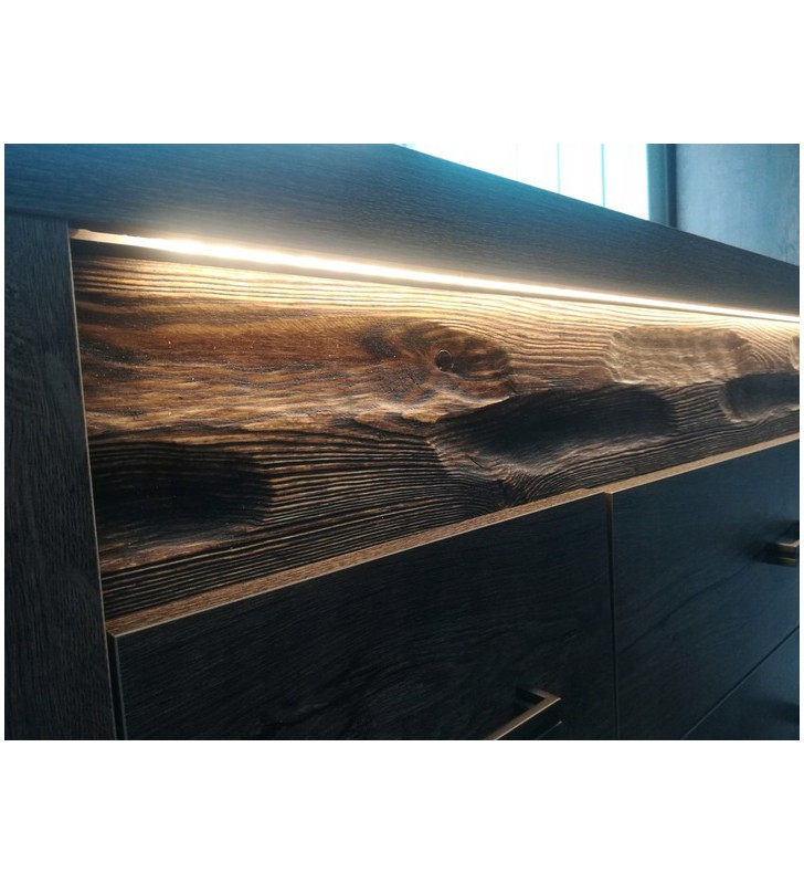 Szeroka witryna z ryflowanymi elementami drewna sosnowego Indianapolis I-3