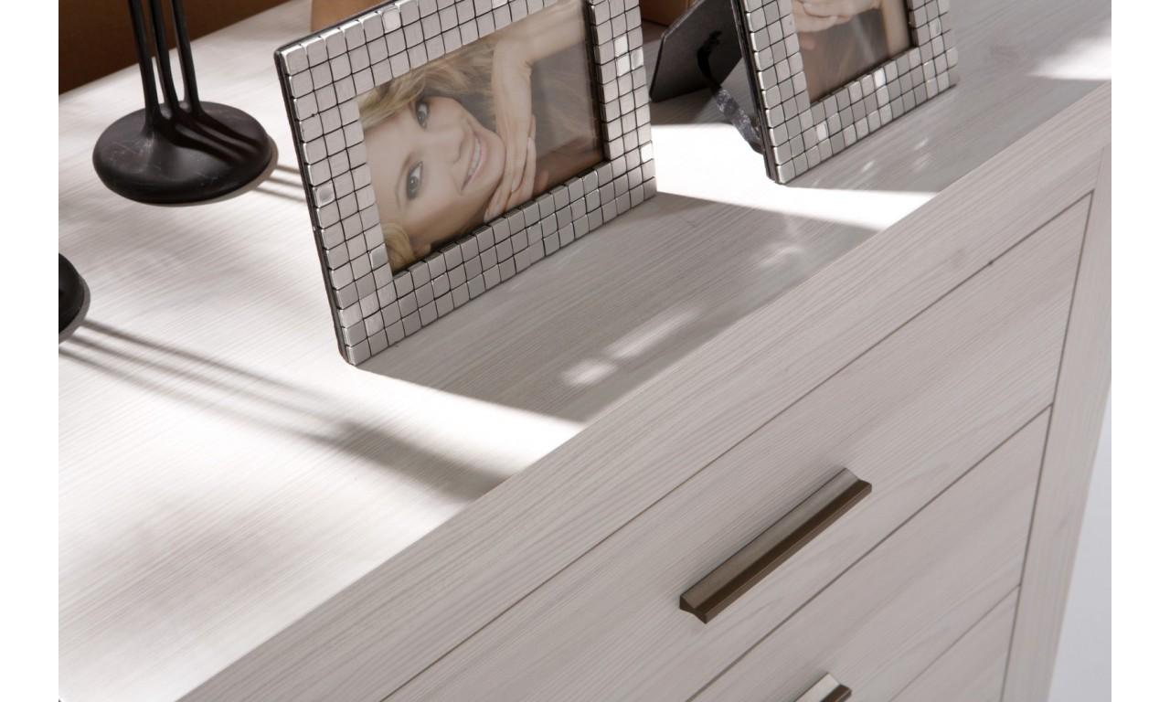 Szeroki stolik RTV łączący styl nowoczesny i klasyczny Amber AR-9