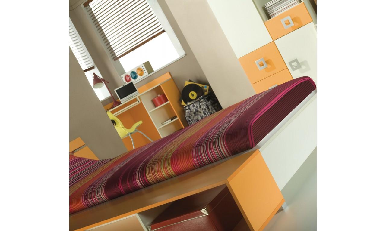 Biurko w kilku propozycjach kolorystycznych Labirynt 19