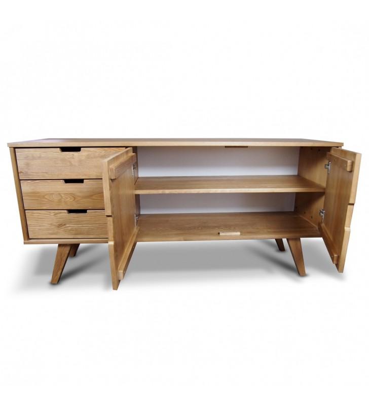 Szeroka komoda należąca do kolekcji Malmo z litego drewna sosnowego