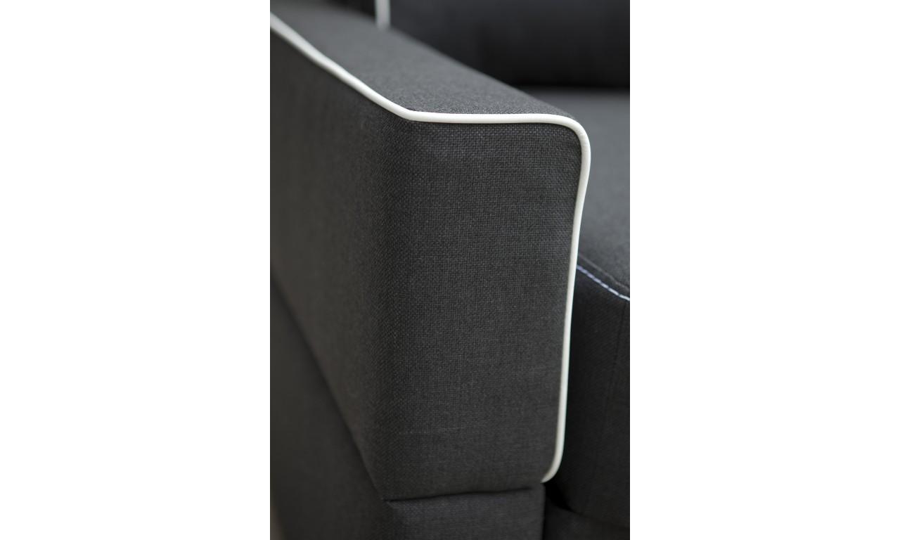 Czarna, rozkładana sofa z pojemnikiem na pościel Samanta B